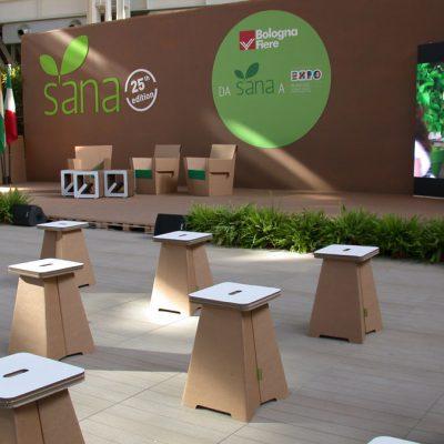 Mobiliers en carton - Aménagement SANA 2013