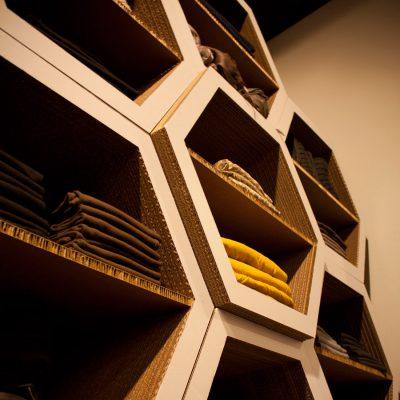 Mobiliers en carton - Aménagement Boutique COOPER BLONDIE