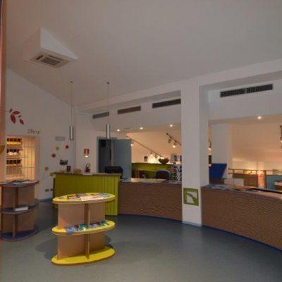 Mobiliers en carton - Aménagement Musée del Parco del Conero Centro